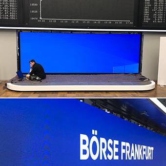 Montage der LED Wand für Börse Frankfurt