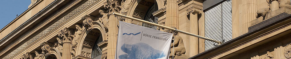 Das Börsengebäude von aussen am Tag in Frankfurt am Main