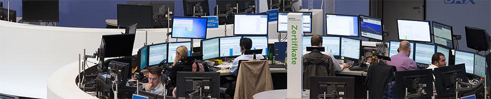 Blick auf die Arbeitsplätze im Handelssaal