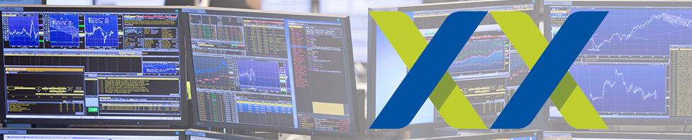"""Banner mit Trading Monitoren und """"XX"""" Logotyp in Xetra Stil"""